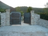 Ingresso in pietra e mattoni veduta generale