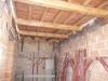 Solaio finito in legno di castagno e pianelle nuove anticate primo piano